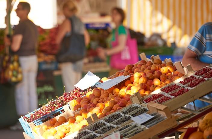 Obststand auf dem Radolfzeller Wochenmarkt