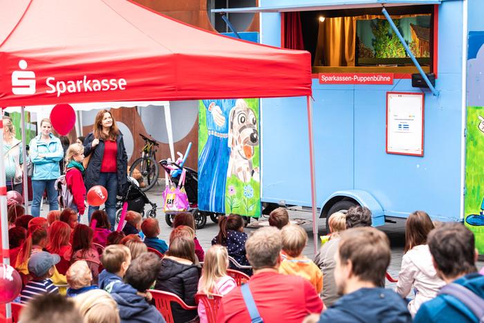 PR - Sparkassen-Puppenbühne auf dem Radolfzeller Altstadtfest