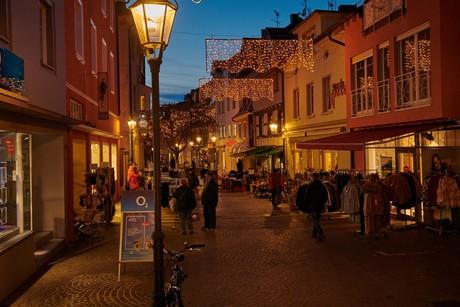 Poststraße in Radolfzell mit Weihnachtsbeleuchtung