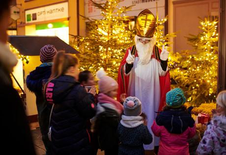 Nikolaus im Radolfzeller Adventsdorf
