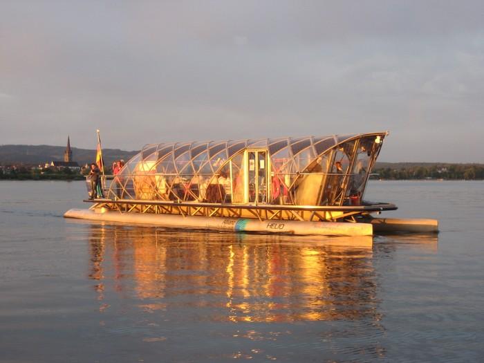 PR_HELIO Solarschiff vor Radolfzell